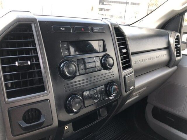 2017 Ford Super Duty F-250 SRW XL 2WD Crew Cab 8 Box