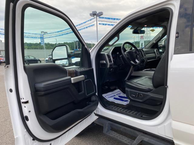 2017 Ford Super Duty F-250 SRW 4WD Crew Cab 176 Lariat