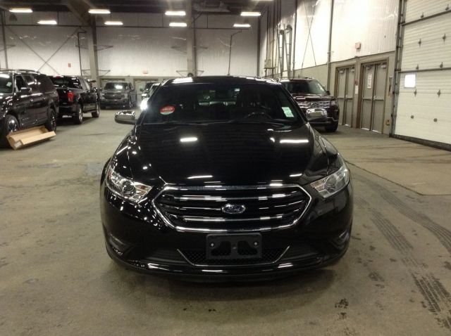 2017 Ford Taurus 4 Door Car