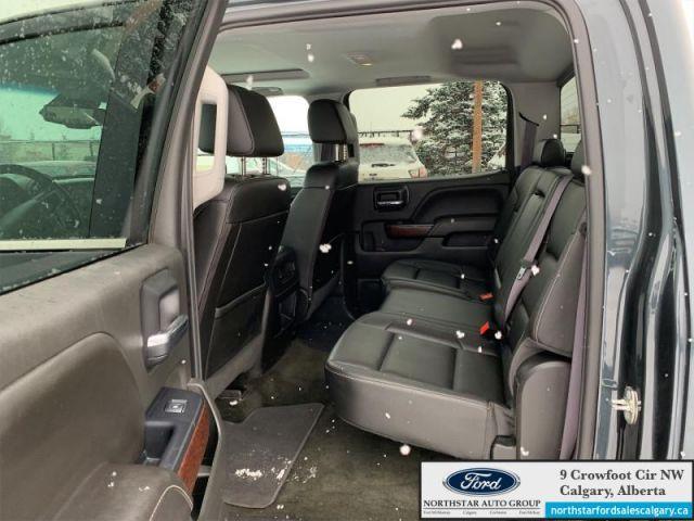 2017 GMC Sierra 1500 SLT   LEATHER  SLT  NAV  SUNROOF  CREWCAB 
