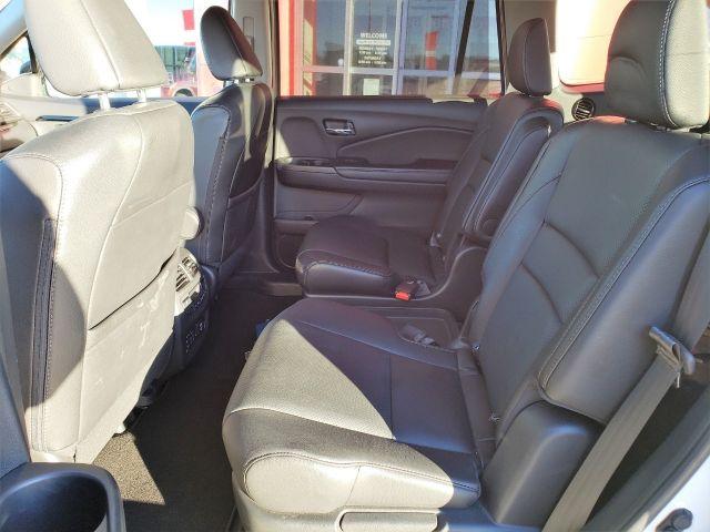 2017 Honda Pilot 4WD Touring, Remote Start, Heated Steering