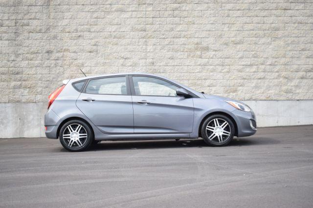 2017 Hyundai Accent SE Hatch  - Sunroof -  Bluetooth