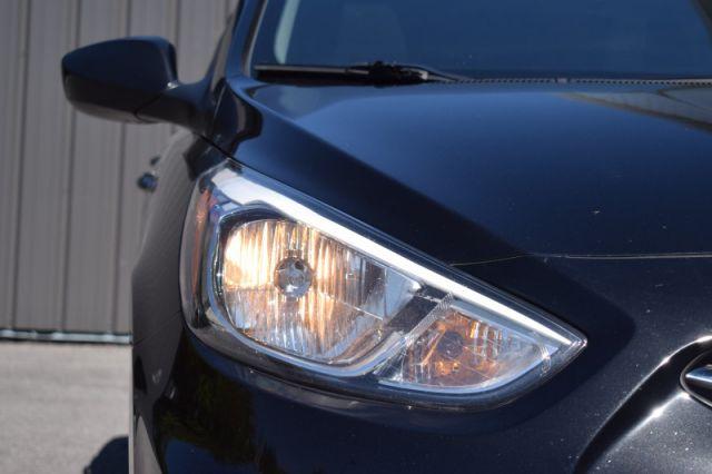 2017 Hyundai Accent SE Hatch  - Sunroof -  Bluetooth - $71 B/W