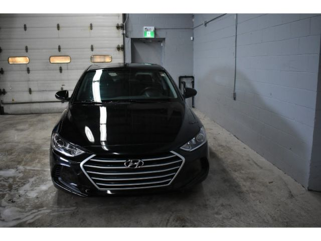 2017 Hyundai Elantra LE * CRUISE * HEATED SEATS * HANDSFREE *