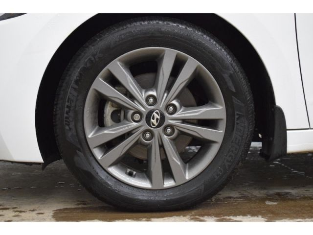 2017 Hyundai Elantra GL - * LOW KMS, HEATED STEERING * BACKUP CAM *