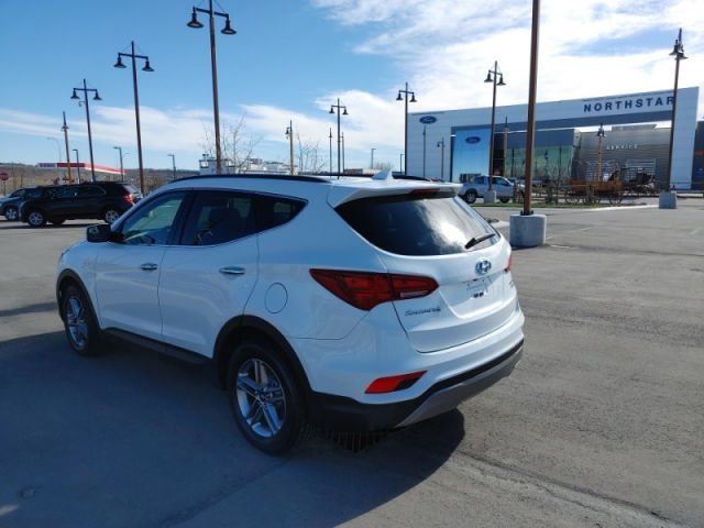 2017 Hyundai Santa Fe Sport Luxury  - Navigation - $155 B/W