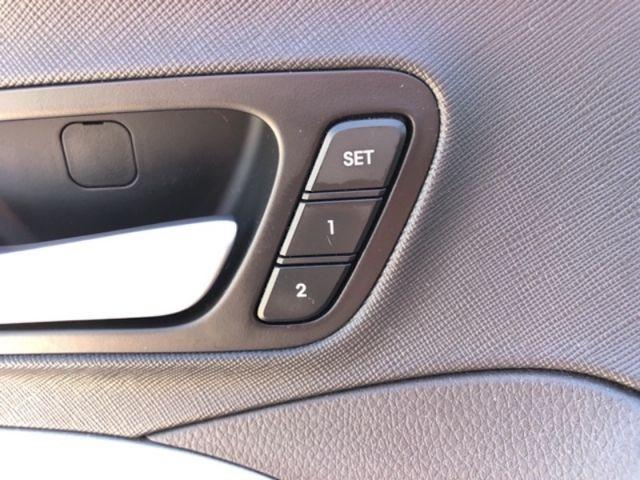 2017 Hyundai Santa Fe XL Luxury with 6 Seats