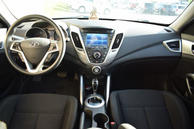 2017 Hyundai Veloster Base  - Bluetooth -  Touch Screen