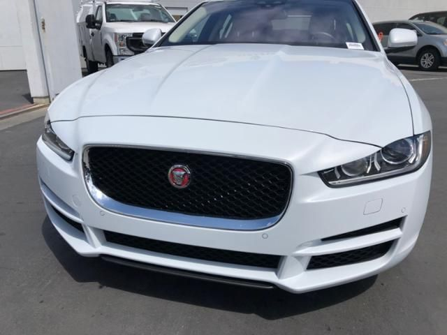 2017 Jaguar XE 35t First Edition RWD