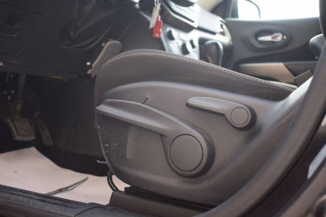 2017 Jeep Cherokee North    BLUETOOTH   HEATED SEATS & WHEEL  