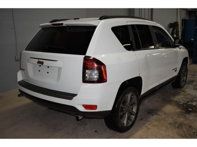 2017 Jeep Compass HIGH ALTITUDE * LEATHER * SATELLITE RADIO READY *