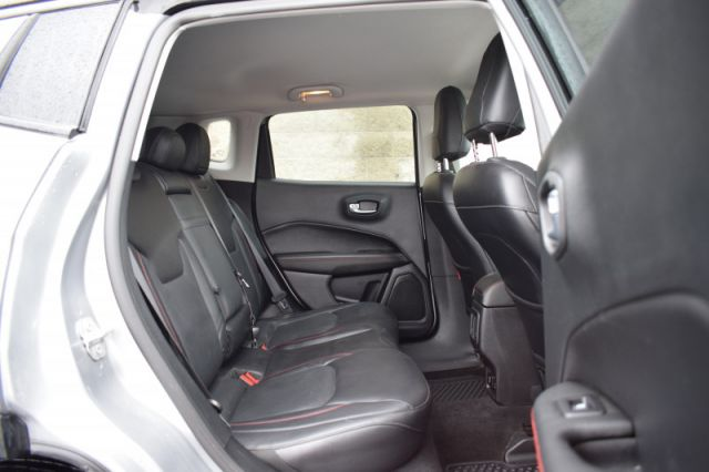 2017 Jeep Compass Trailhawk    4X4   LEATHER   HEATED SEATS  