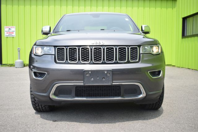 2017 Jeep Grand Cherokee Limited    4WD   HEATED SEATS & WHEEL   LEATHER  