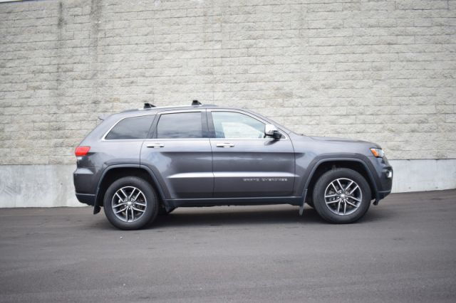 2017 Jeep Grand Cherokee Limited    LEATHER   DUAL CLIMATE   HEATED SEATS  