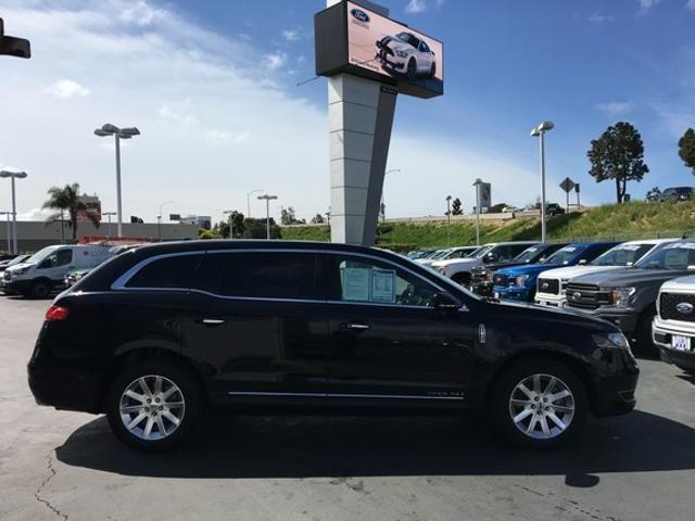 2017 Lincoln MKT 3.7L AWD w/ Livery Pkg