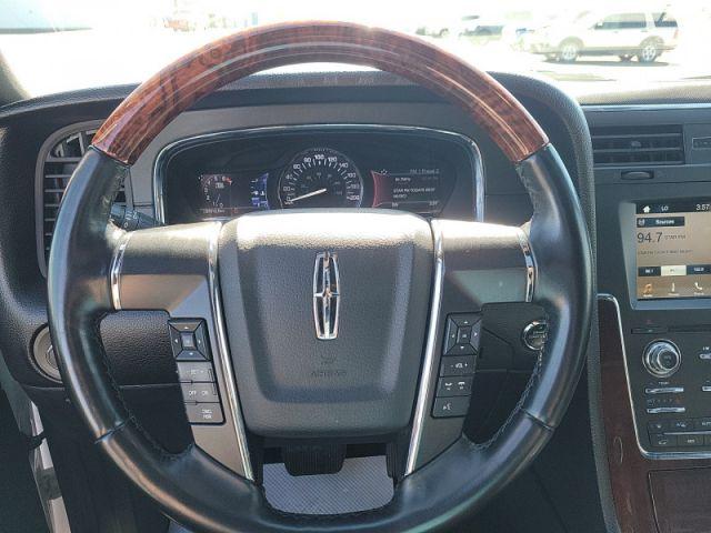 2017 Lincoln Navigator Select  $199 / wk