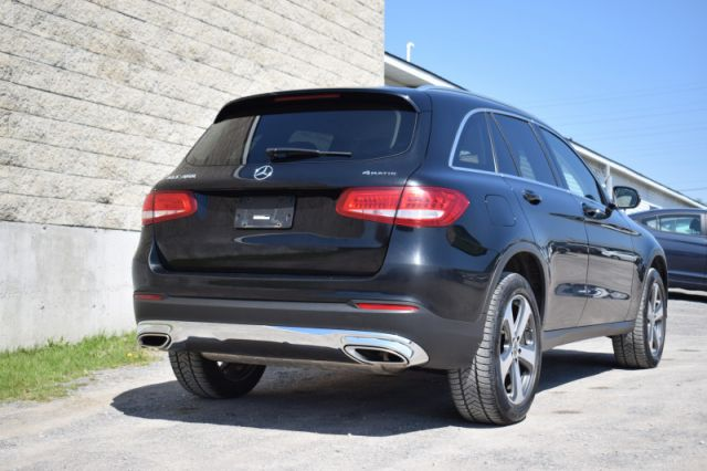 2017 Mercedes Benz GLC 300 4MATIC  | LEATHER | DUAL CLIMATE |