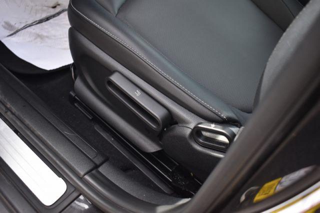 2017 MINI Cooper Clubman Base  - Leather Seats