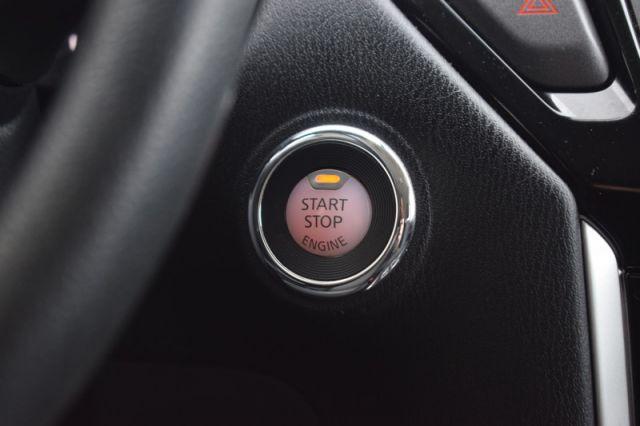 2017 Nissan Pathfinder S V6    4WD   DUAL CLIMATE  