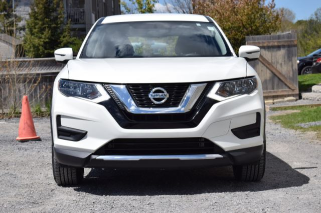 2017 Nissan Rogue S  | HEATED SEATS | BACK UP CAM |