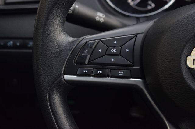 2017 Nissan Rogue S  AWD   HEATED SEATS