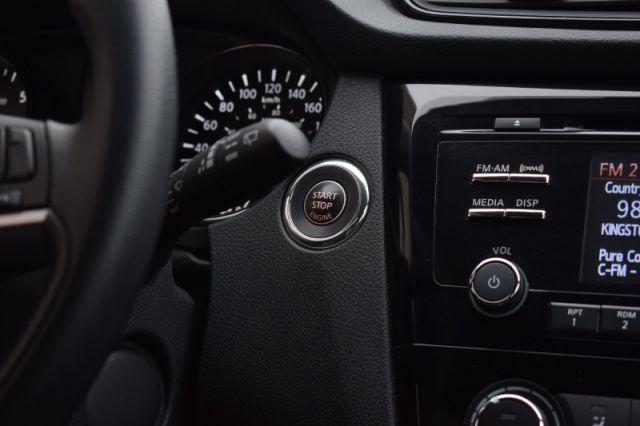 2017 Nissan Rogue SV  | AWD | HEATED SEATS
