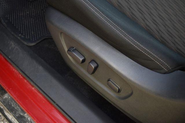 2017 Nissan Rogue SV  AWD | REVERSE CAM | ROOF RACKS | PUSH START | CRUISE CONTROL