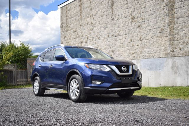 2017 Nissan Rogue SV  HEATED SEATS | AWD | REVERSE CAM | PUSH START  | CRUISE CONT