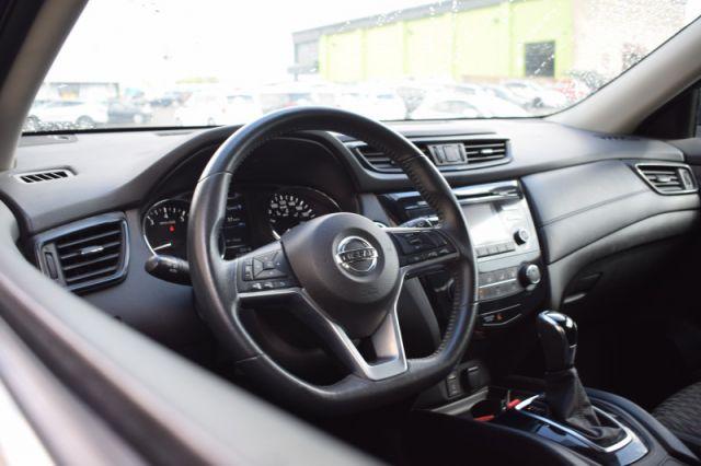 2017 Nissan Rogue SV  | AWD | HEATED SEATS |
