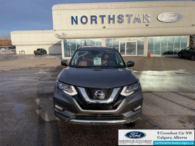 2017 Nissan Rogue SL Platinum   LEATHER  MOONROOF  NAV  TWO SETS OF RIMS AND WHEEL