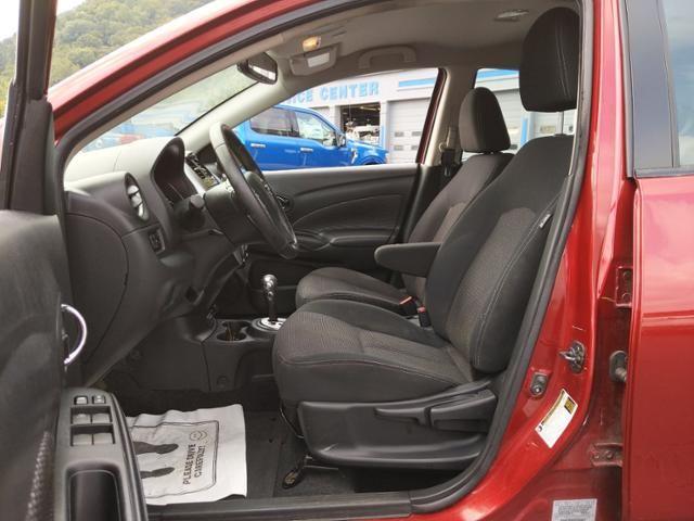 2017 Nissan Versa SL CVT