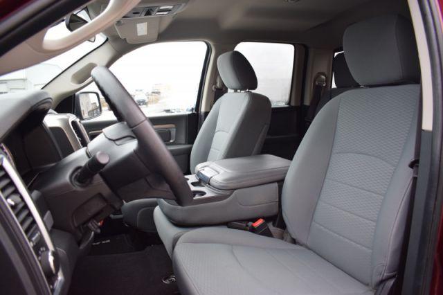 2017 Ram 1500 SLT  4X4 | BENCH SEAT | SIRIUSXM READY | CRUISE CONTROL | POWER