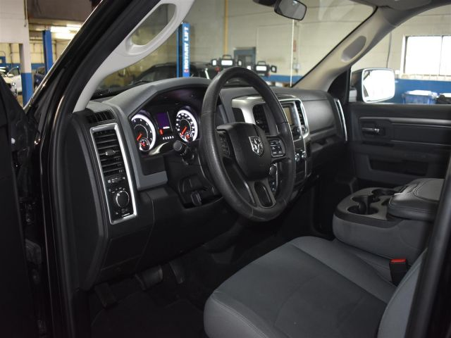 2017 Ram 1500 SLT * LOW KMS * TOUCH SCREEN *
