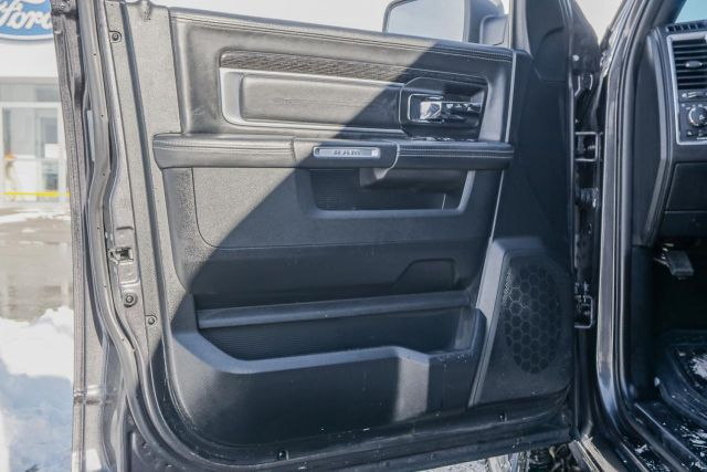 2017 Ram 1500 4WD Crew Cab 140.5 Limited