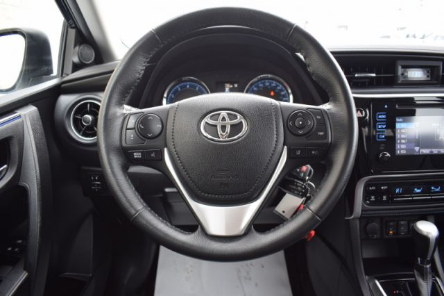 2017 Toyota Corolla SE  | SPORT PADDLE SHIFTERS | HEATED SEATS