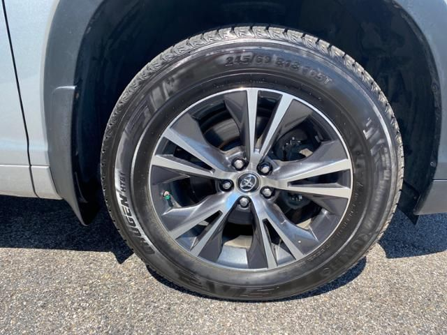 2017 Toyota Highlander LE V6 AWD