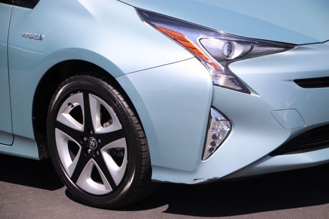 2017 Toyota PRIUS 5D Hatchback Two Eco