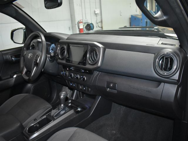 2017 Toyota Tacoma SR5 TRD SPORT * BACKUP CAMERA * BLUETOOTH * TOUCH SCREEN *