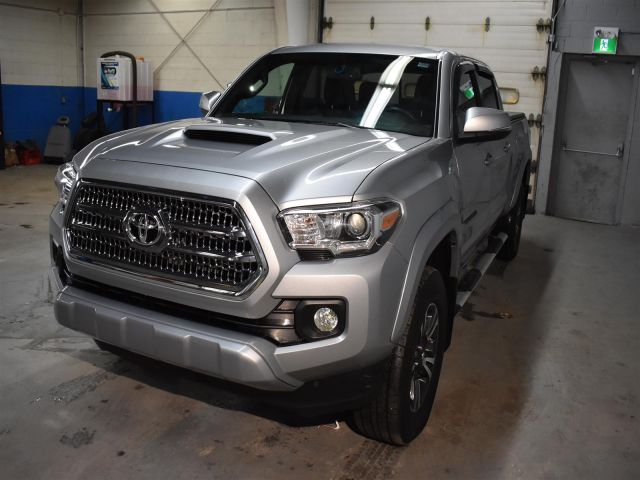 2017 Toyota Tacoma SR5 * BACKUP CAM * TOUCH SCREEN *
