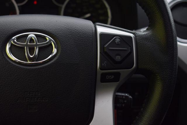 2017 Toyota Tundra Platinum  | SUNROOF | LEATHER | DUAL CLIMATE | NAV |