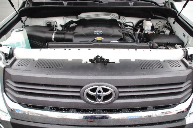 2017 Toyota TUNDRA CrewMax SR5