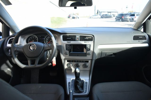 2017 Volkswagen Golf Trendline  HEATED SEATS | REVERSE CAM | BLUETOOTH | POWER WINDOW