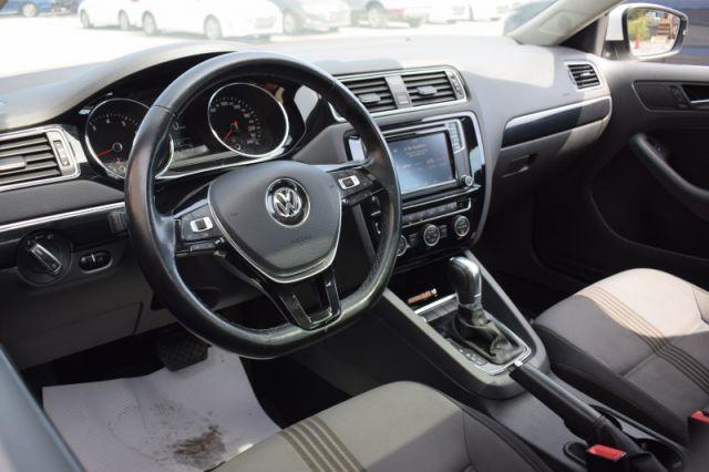 2017 Volkswagen Jetta Wolfsburg Edition  | SUNROOF | BACK UP CAM |