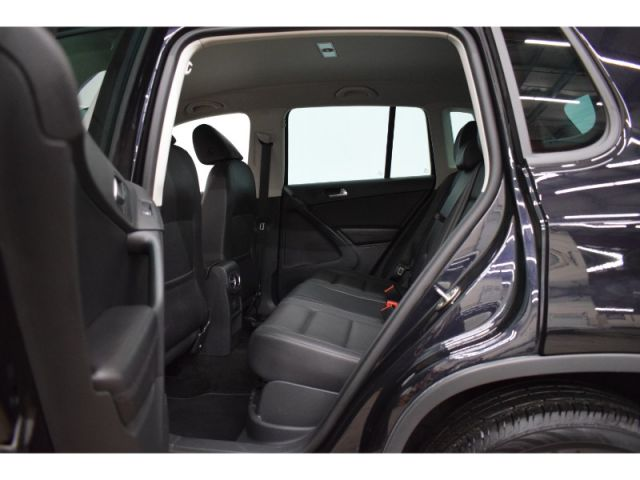 2017 Volkswagen Tiguan WOLFSBURG AWD- BLUETOOTH * HEATED SEATS * BACKUP CAM