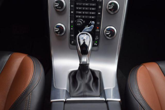 2017 Volvo V60 Cross Country T5 Premier AWD