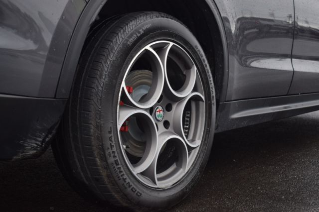 2018 Alfa Romeo Stelvio Sport AWD  | MOONROOF | LEATHER | NAV |