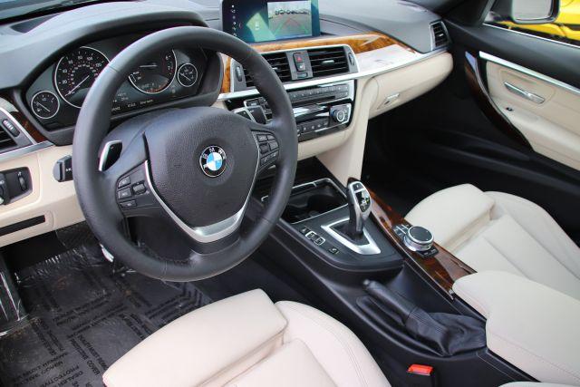 2018 BMW 3 Series Series 330i Sedan