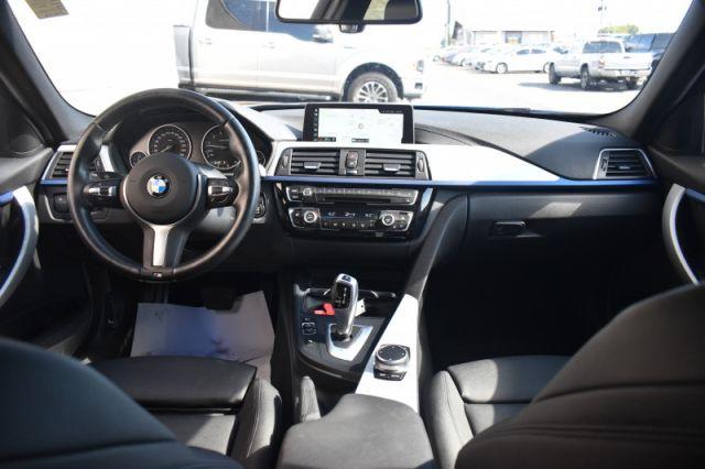 2018 BMW 3 Series 330i xDrive Sedan    SUNROOF   LEATHER   NAV  