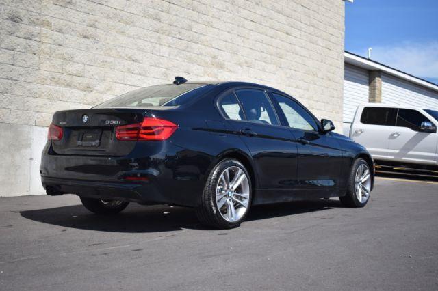 2018 BMW 3 Series 330i xDrive Sedan  | SUNROOF| NAV | LEATHER |