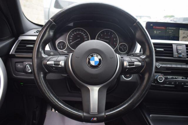 2018 BMW 3 Series 330i xDrive Sedan  | SUNROOF | LEATHER | LANE ASSIST | NAV |